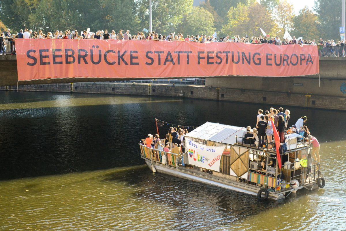 Impressionen von der Unteilbar-Demonstration in Berlin